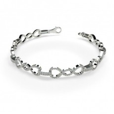 Round White Gold Everyday Bracelets