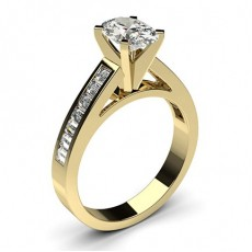 Oval Gelbgold Seitensteine Verlobungsringe