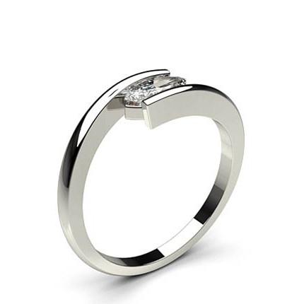 4888bf973652a Bague de fiançailles épaulée halo diamant coussin rond serti 4 griffes et  pavé - Diamonds